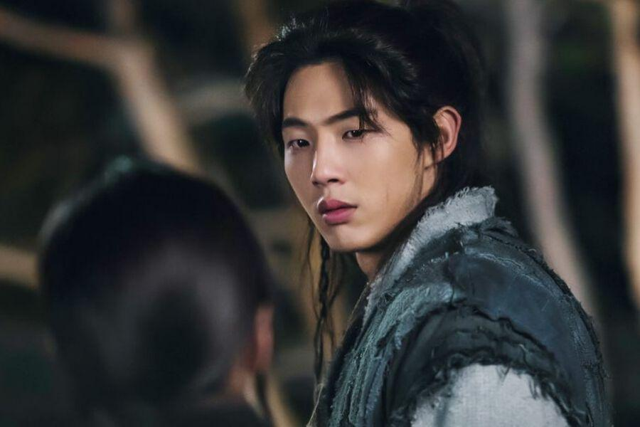 "5 Romantic Moments In Episodes 3-4 Of ""River Where The Moon Rises"" That Had Us Swooning"