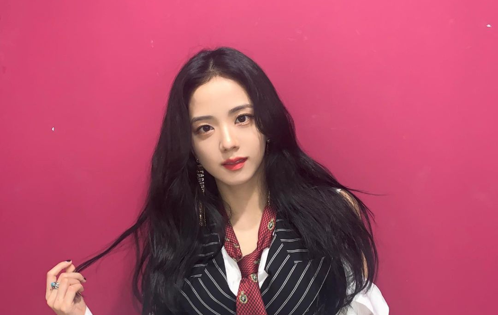 BLACKPINK Jisoo Receives Surprises From Jennie, Lisa & Rosé + Proves She's More Than Just a Pretty Face