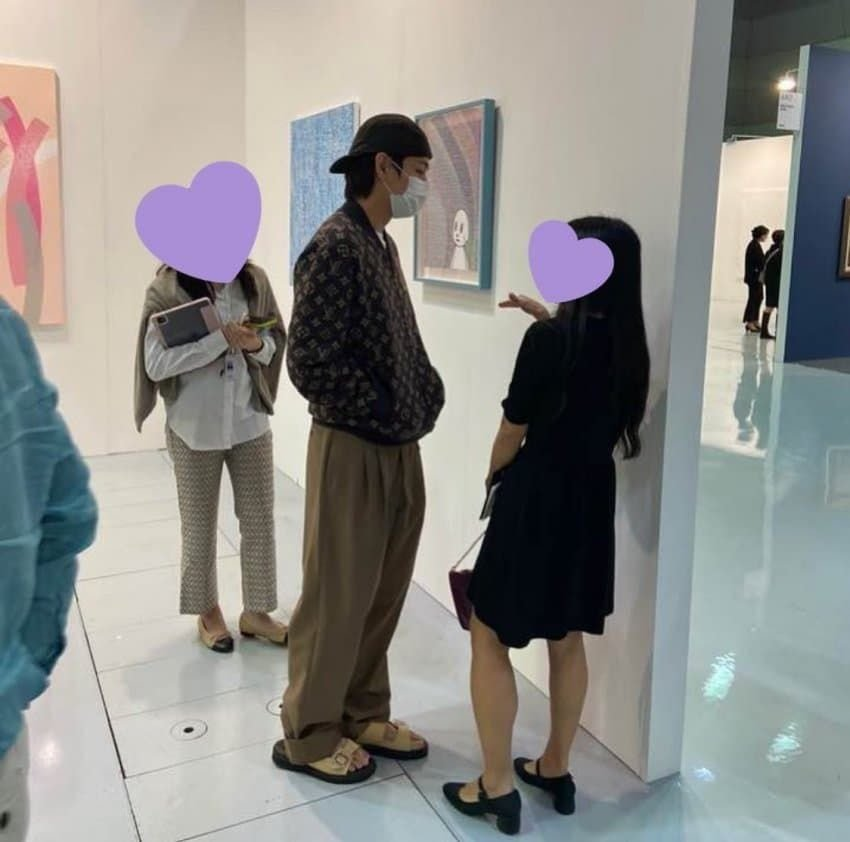 The atmosphere of the exhibition that BTS V went to yesterday – Knetizen – Netizens talk about K-Pop